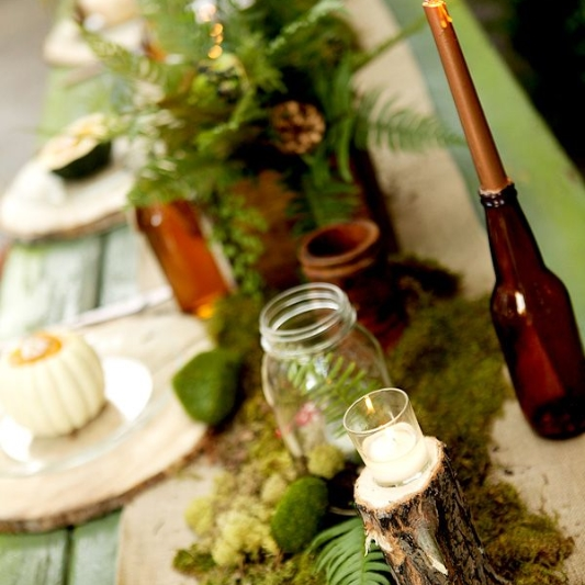 Woodsy inspired theme from www.weddingchicks.com